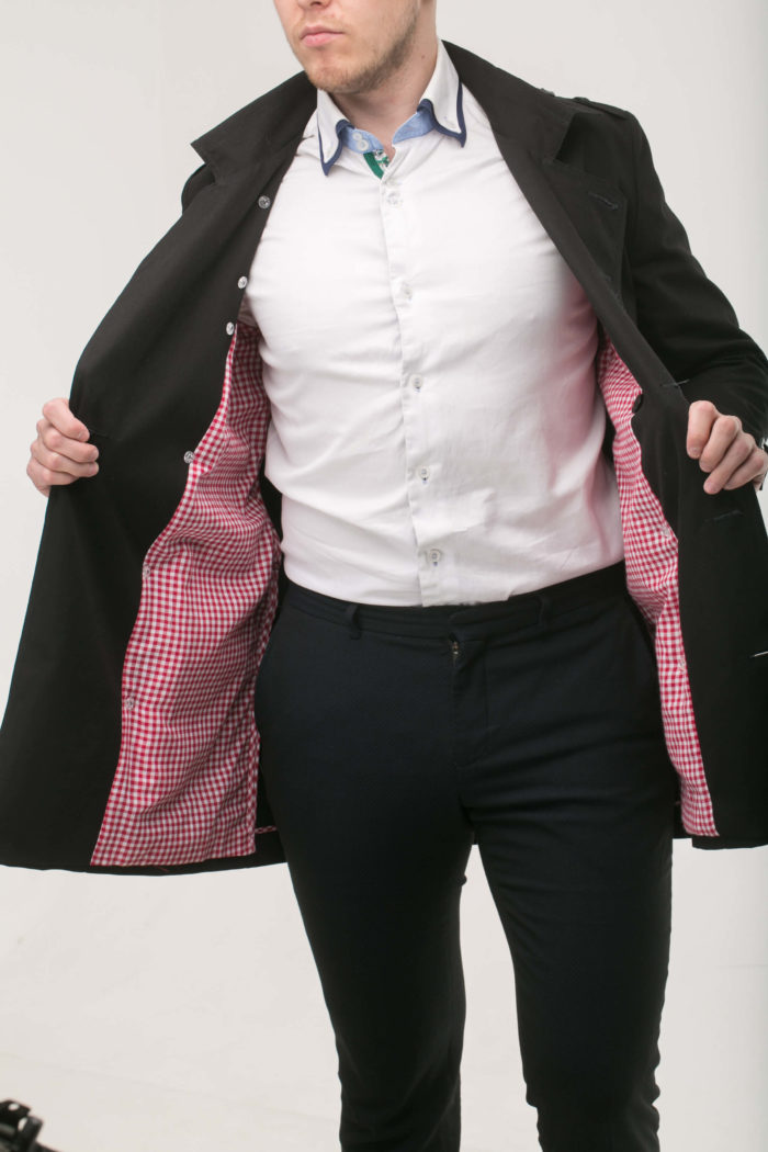 Черный тренч мод.1ч с красной клечатой подкладкой
